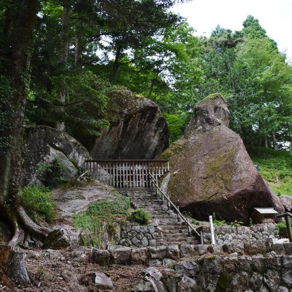 岩屋岩陰遺跡の神秘。岐阜県の古代巨石遺跡「金山巨石群」とは?