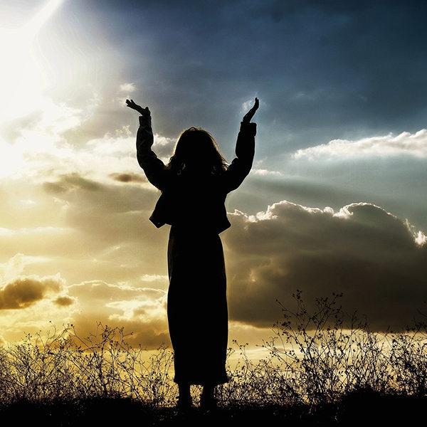 神に祈る事によって人は救われる。正しい祈りとは?
