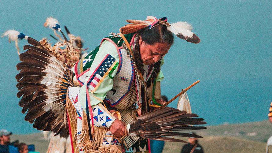 ネイティブアメリカンと自然崇拝。今尚続く迫害の歴史について